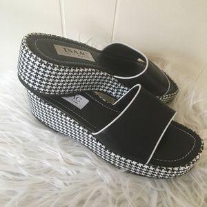 Isaac Mizrahi Houndstooth Platform Sandals 8